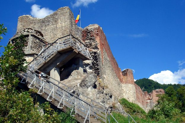 The Real Castle Of Dracula Vlad The Impaler Poienari