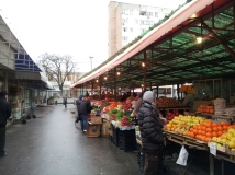 Romanian vegetables and fruits market - in Craiova 2