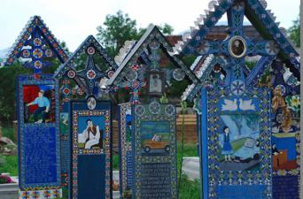 the-happy-cemetery-sapanta-maramures-county-transylvania-romania 3
