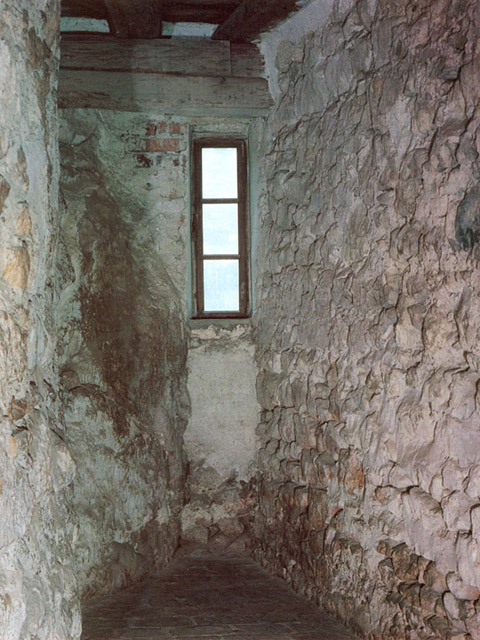 When the Hungarian king who had been his protector no longer looked on Vlad Dracula with favor, he had him arrested near Bran Pass and, according to legend, imprisoned within the stony confines of the dungeon at Bran Castle. Later, until the 18th century, thieves, unruly soldiers and captured Turks occupied the cell.